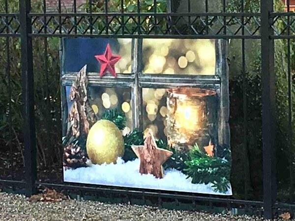 Zaunposter Weihnachtsfenster